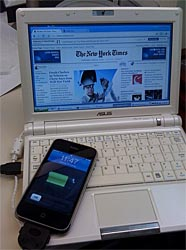iPhone and eee pc tether. by paul_irish, on Flickr